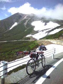 乗鞍スカイラインと大雪渓